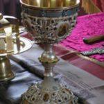 Хліб і вино символи чи дійсне Тіло і Кров Христа?