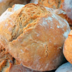 Шість буханок хліба